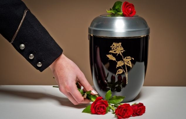 Ways To Make an Urn More Unique